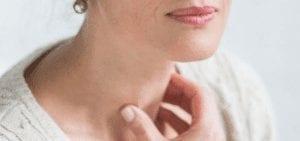 Le dysfonctionnement de thyroide peut être à l'origine d'une forte et rapide chute de cheveux